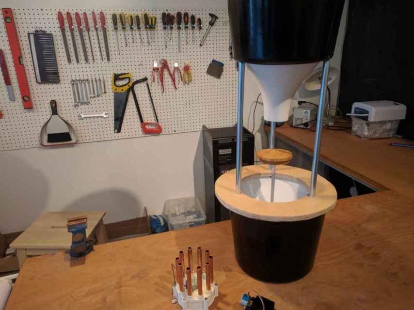 El prototipo de la máquina de palanca en el que trabajan los holandeses