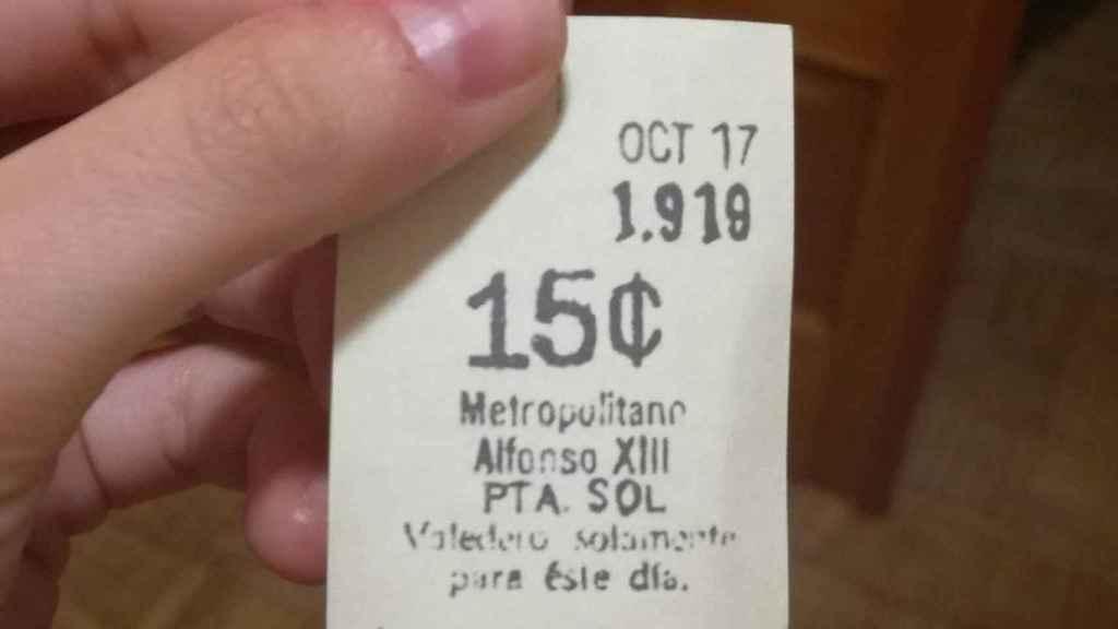 Este es el billete que el extraño viajero se habría dejado en el asiento del metro