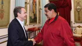 Zapatero y Maduro en uno de sus encuentros en Caracas.