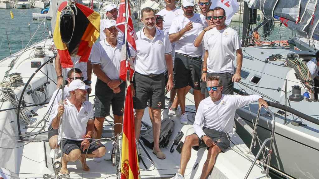 El rey Felipe en las regatas en 2017.