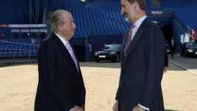 Juan Carlos I y Felipe VI en una imagen de archivo.