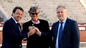 Manuel Ángel Fernández Mateo, a la derecha, junto a los gestores de Plaza 1, la empresa de Las Ventas