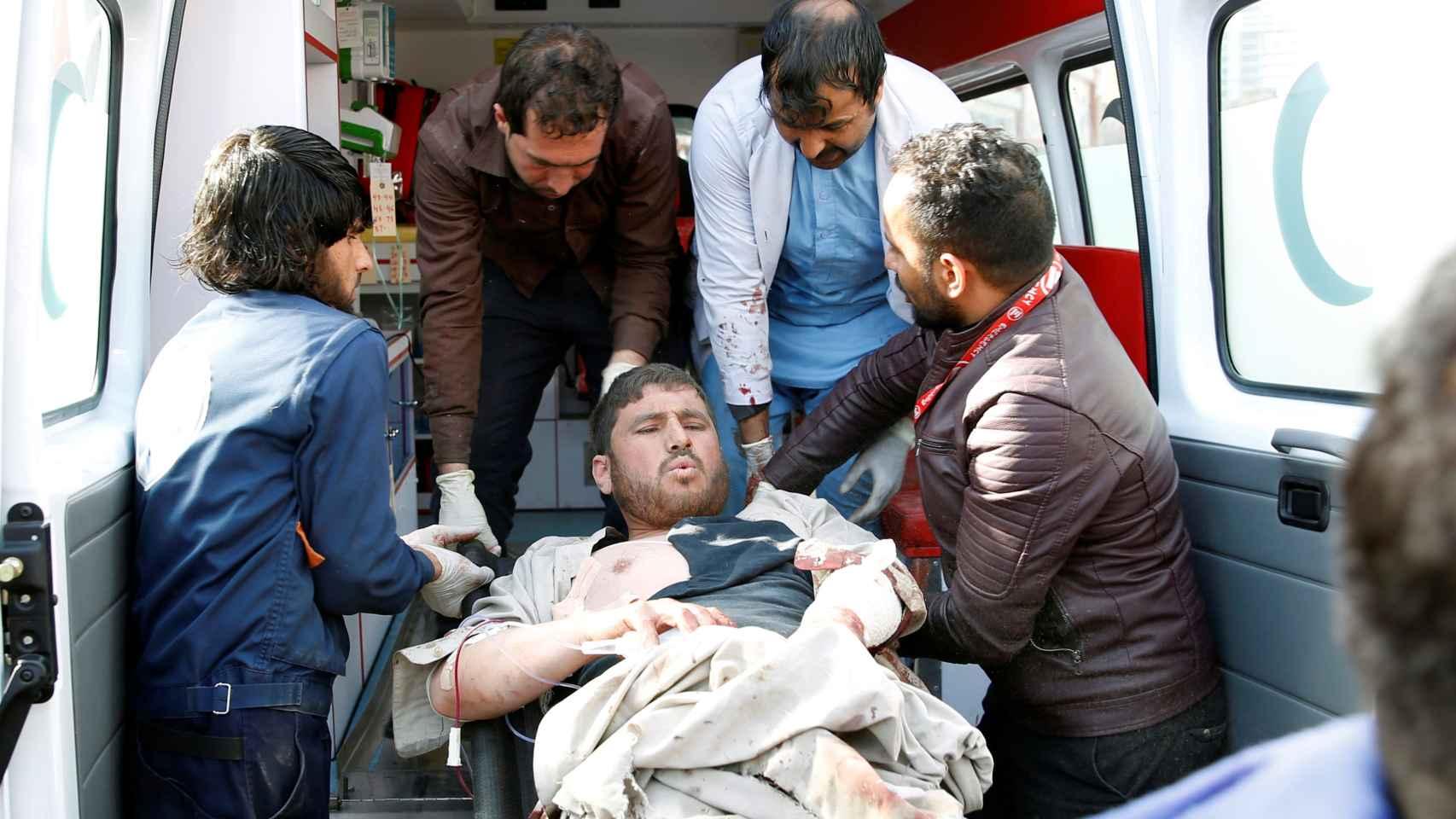 Los talibanes han reivindicado el atentado suicida en el centro de Kabul