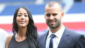 Jesé Rodríguez y Aura Ruiz en la  presentación del jugador. Gtres.