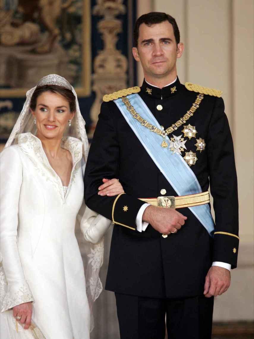 Felipe, el día de su boda, luciendo el Toisón.