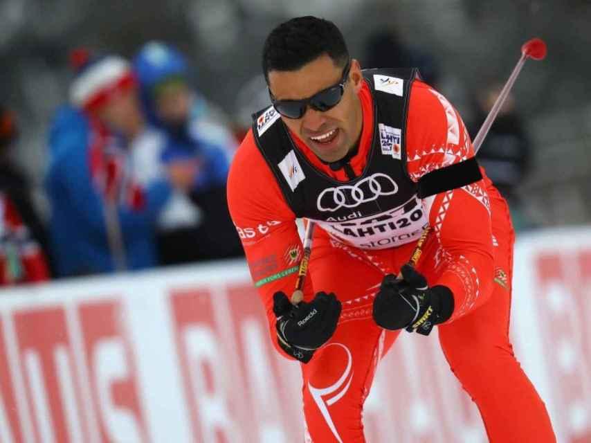 Pita Taufatofua durante su primera prueba de la Copa del Mundo de esquí de fondo en Lahti.
