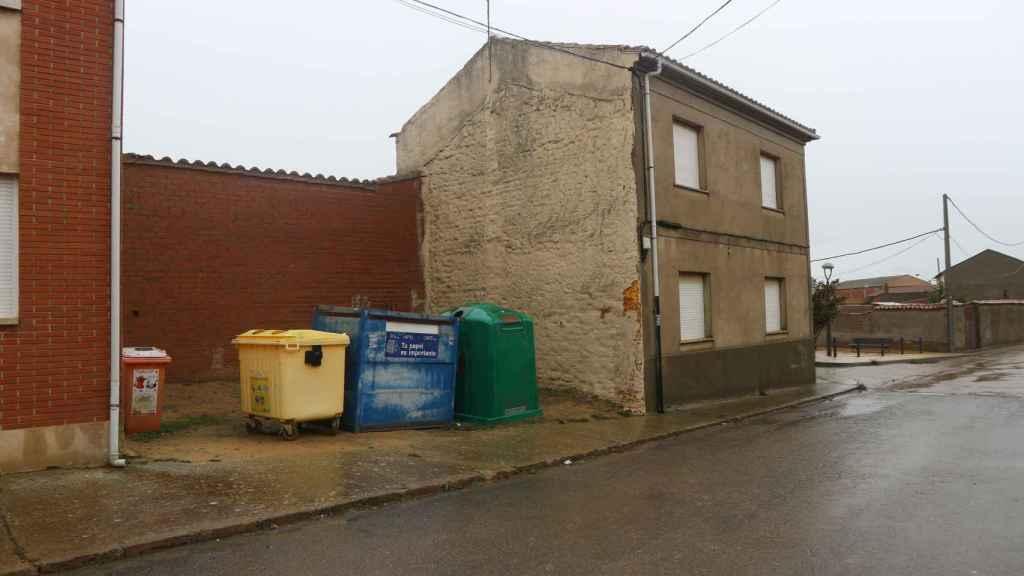 En este terreno se asentaba la casa de paredes verdes de 'El Portugués' en Matadeón.