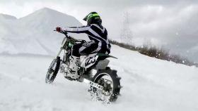 Uno de los participantes del Snow Hill Climb de Aspen.