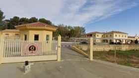 Entrada principal al acuartelamiento de Bobadilla.