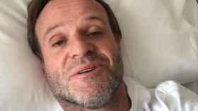 Barrichello está en el hospital, pero fuera de peligro.