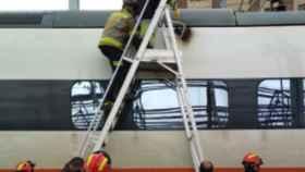 Valladolid-bomberos-reparacion-tren