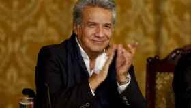 Lenín Moreno ofrece un discurso desde el palacio presidencial de Carondele.