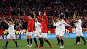 Los jugadores del Sevilla celebran el pase a la final de Copa del Rey.