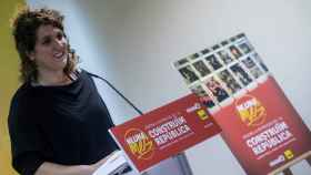 La portavoz del secretariado nacional de la CUP, Núria Gibert, durante una rueda de prensa.