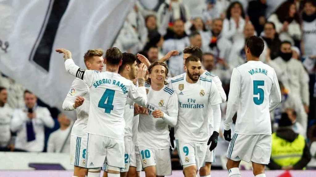 Celebración de los jugadores tras marcar a la Real
