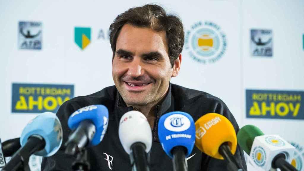 Federer, atendiendo a la prensa en Rotterdam.
