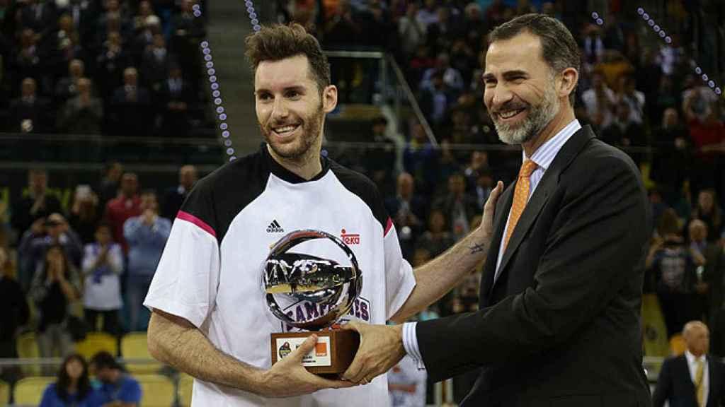 Rudy Fernández recoge su tercer y hasta ahora último MVP de la Copa (2015).