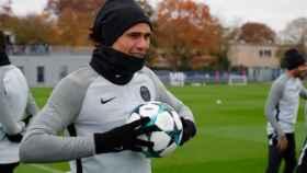 Cavani entrena con el PSG. Foto Instagram (@cavaniofficial)