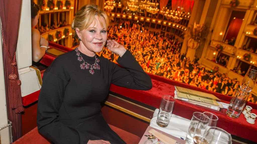 Melanie Griffith durante la ópera de Viena.