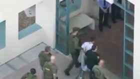 La Policía detiene al sospechoso del tiroteo en la escuela de Florida.