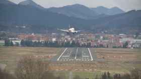 avion aterriza viajes aeropuerto 1