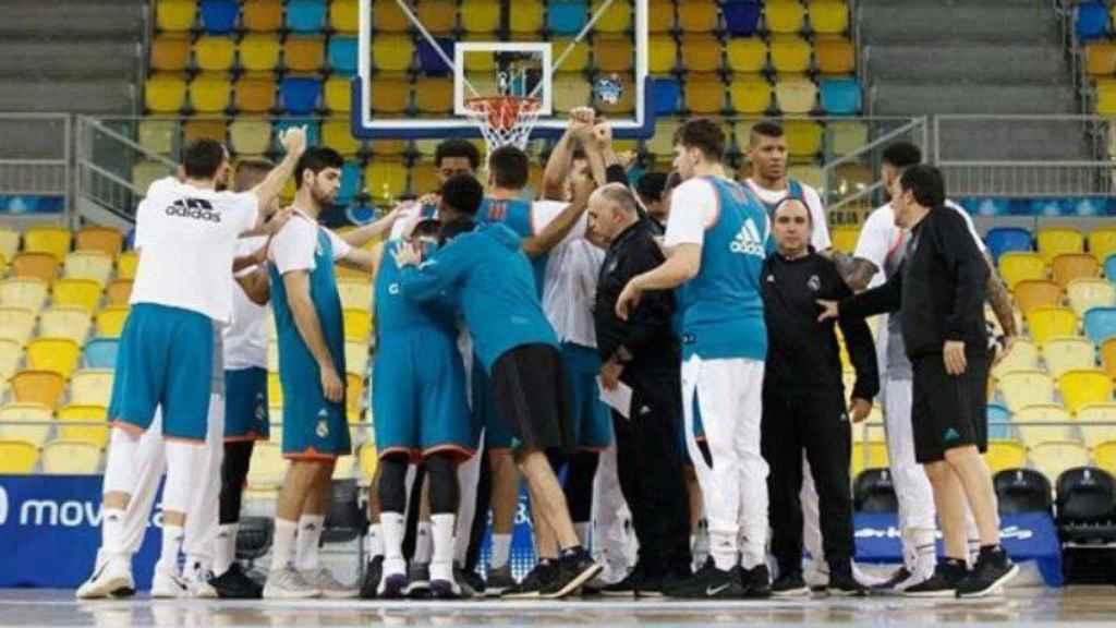 Piña del Real Madrid de baloncesto. Imagen: Twitter (@luka7doncic)