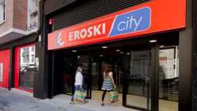 Eroski sale de la telefonía móvil y traspasa a sus clientes a Vodafone