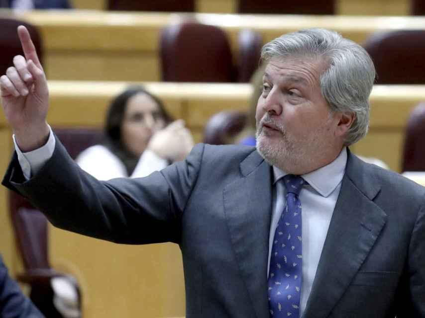 El ministro de Educación, Íñigo Méndez de Vigo, durante la sesión de control al Gobierno celebrada este martes.