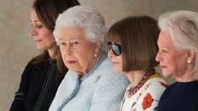 La reina Isabel II en la London Fashion Week