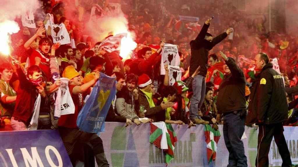 Los ultras de 'Herri Norte', en un partido de hace unos años.