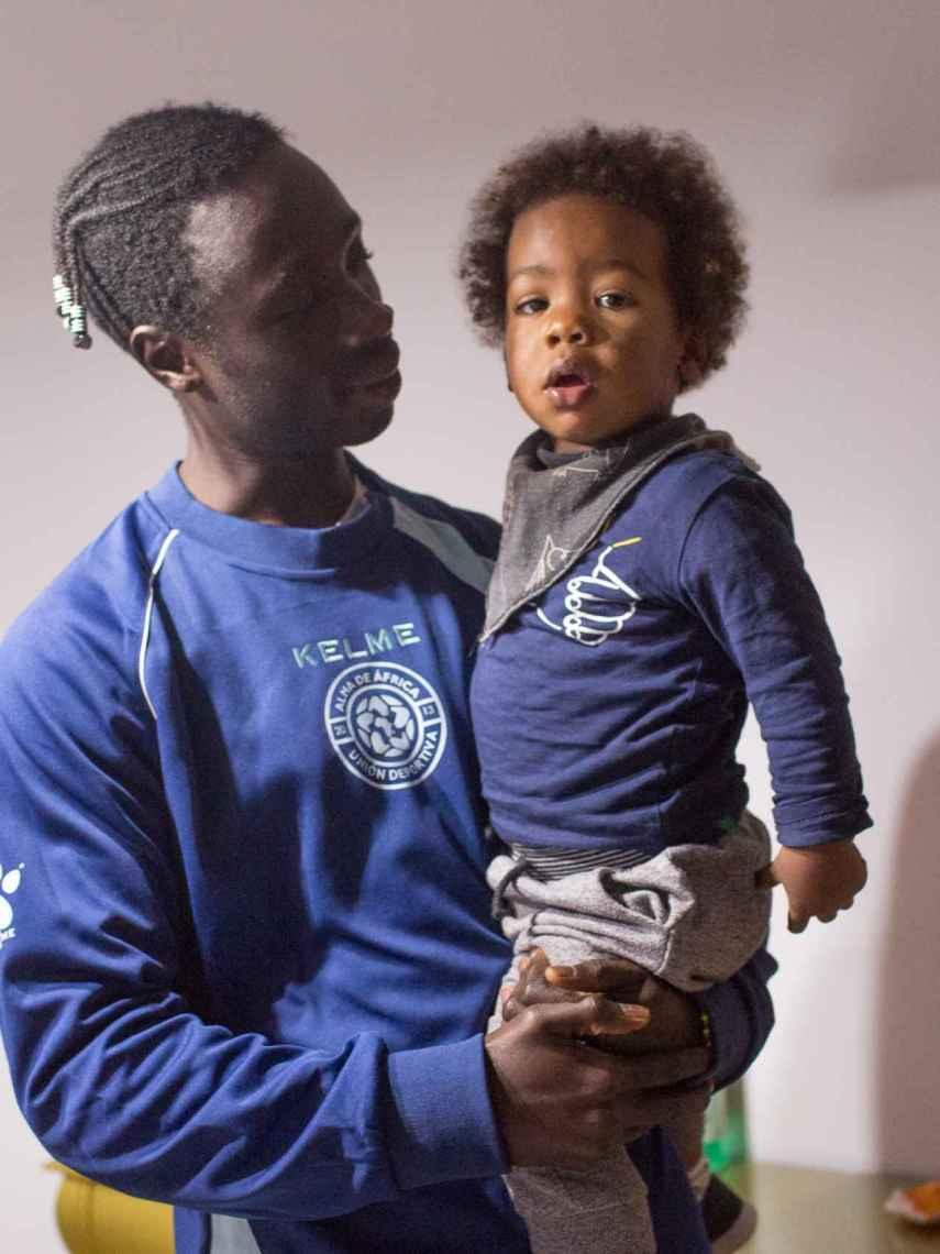 Pedro Semedo tiene un hijo de 18 meses. Comparte su vida con una gaditana. La familia reside en San Fernando (Cádiz).