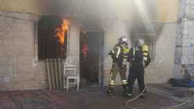 Valladolid-bomberos-incendio-calle-tierra-del-pan