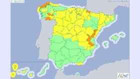 Mapa de España con los avisos por temperaturas mínimas o nevadas.