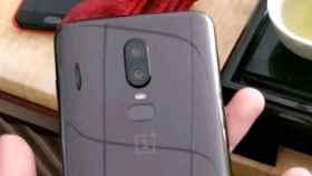 OnePlus 6 filtrado: con 'notch' y cuerpo de cristal