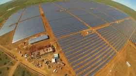 Imagen de una planta fotovoltaica de ACS.