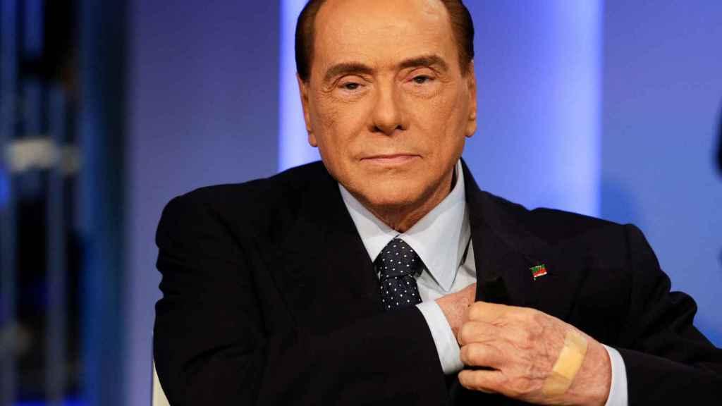 Berlusconi, durante la grabación de un programa electoral