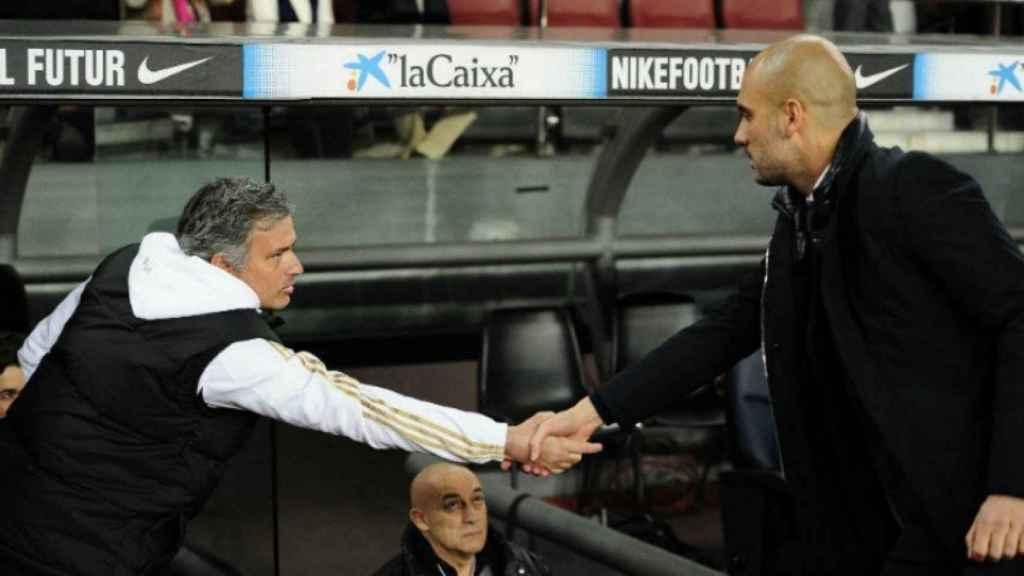 Mourinho y Guardiola. Foto. mancity.com