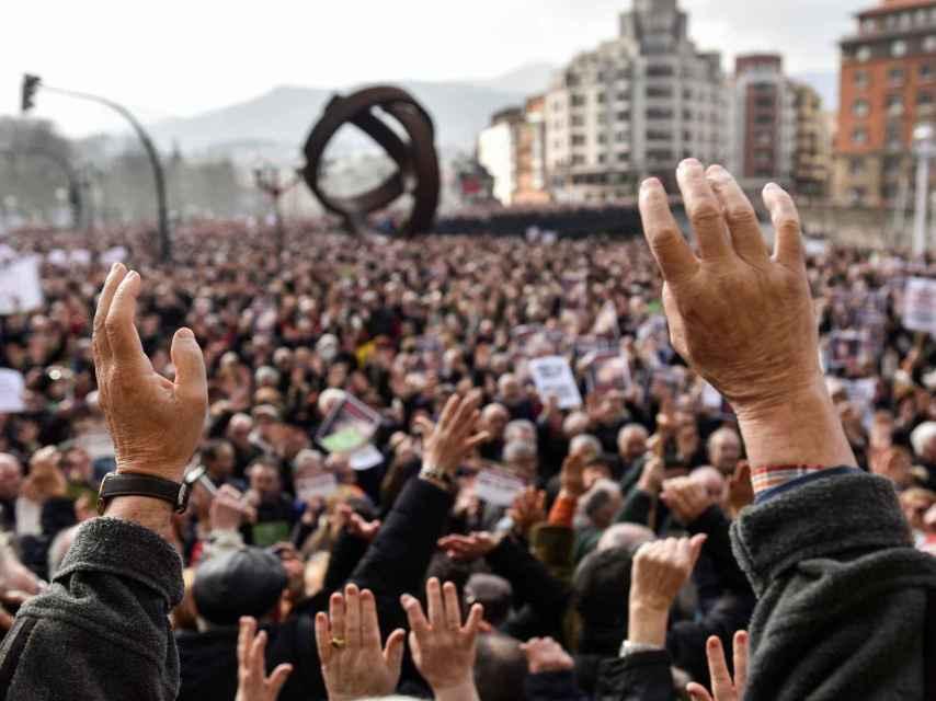 Pensionistas manifestándose en Bilbao.
