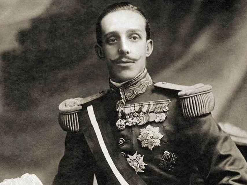 El monarca Alfonso XIII.