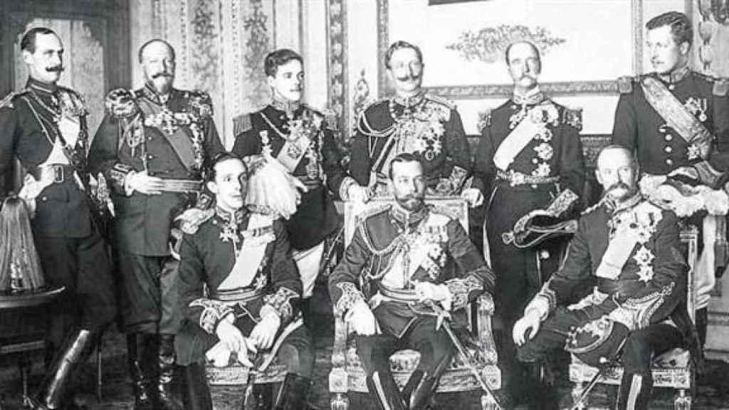Alfonso XIII conocía a todos los monarcas de la época y pidió apoyo a su iniciativa.