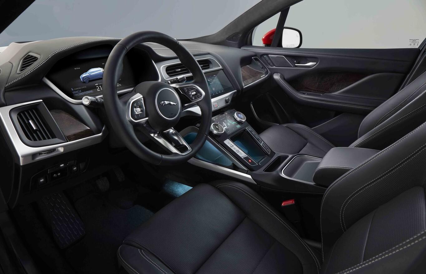 interior jaguar i pace