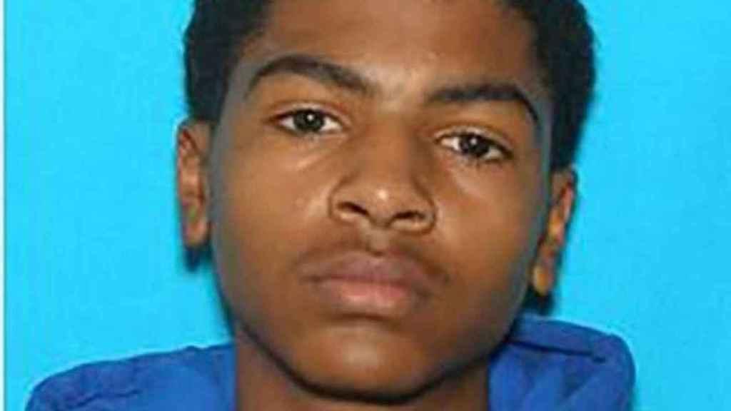 James Eric Davis, detenido por  la Policía tras matar a sus padres en la Universidad de Michigan.