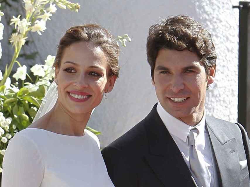 Eva González y Cayetano Rivera el día de su boda. GTRES