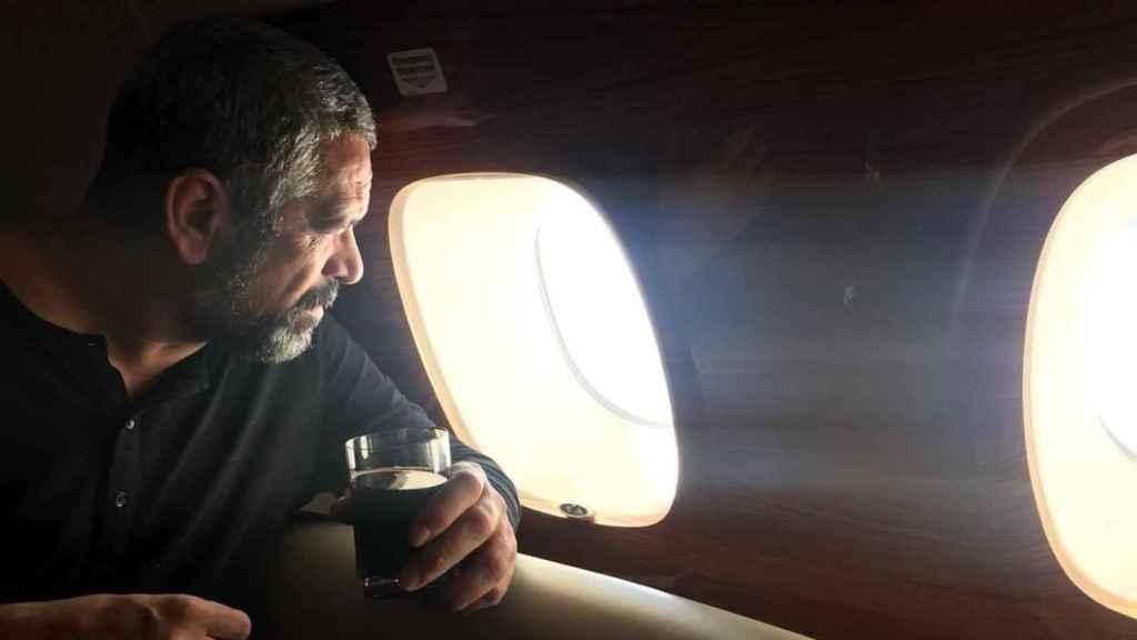 Germinal Torremocha, en un avión privado.