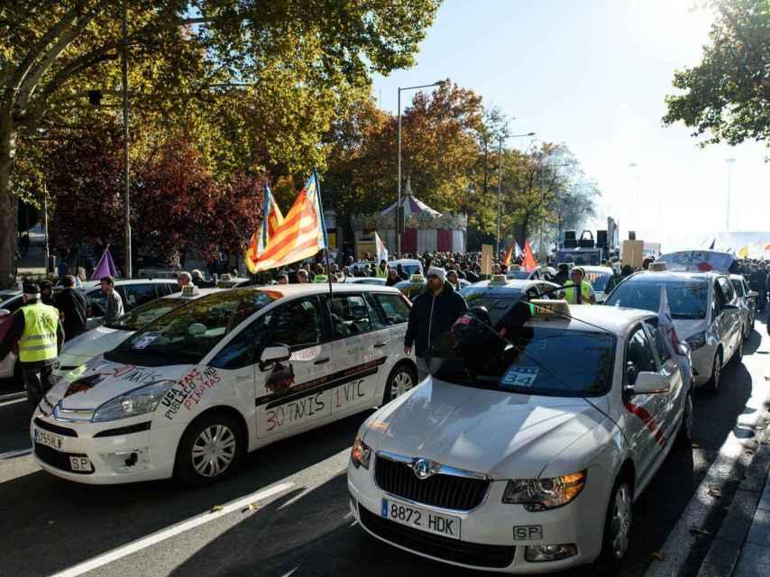 El Taxi de Baleares durante una manifestación para reclamar el 1/30 en el sector.