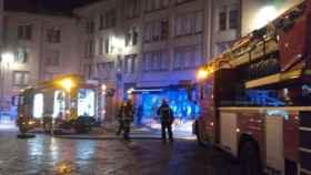 Valladolid-bomberos-fuego-llamas-calle-antigua