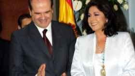 Isabel Pantoja 'se aferra' a la Medalla de Andalucía y se niega a devolverla