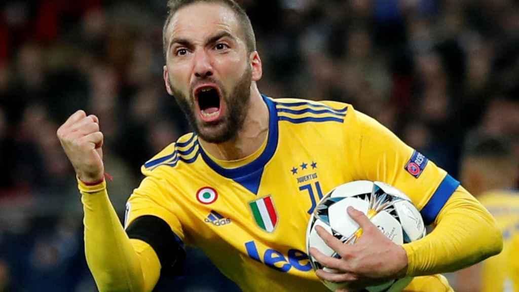 Higuaín celebra su gol en el Tottenham - Juventus.