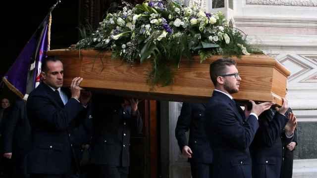 El féretro con los restos mortales de Astori.