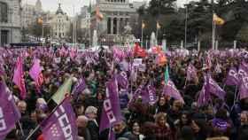 Las mujeres desbordan las calles de Madrid con una protesta feminista masiva